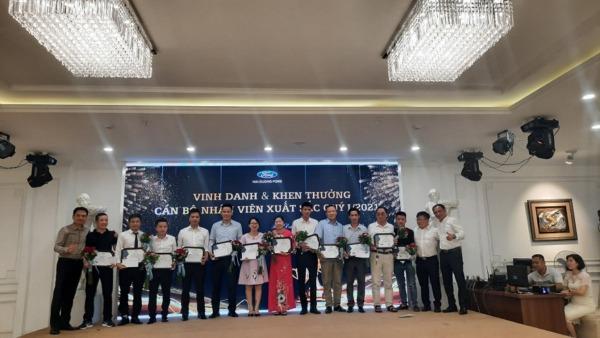 Hải Dương Ford Vinh danh va khen thưởng cán bộ  nhân viên xuất sắc quý 1 năm 2021